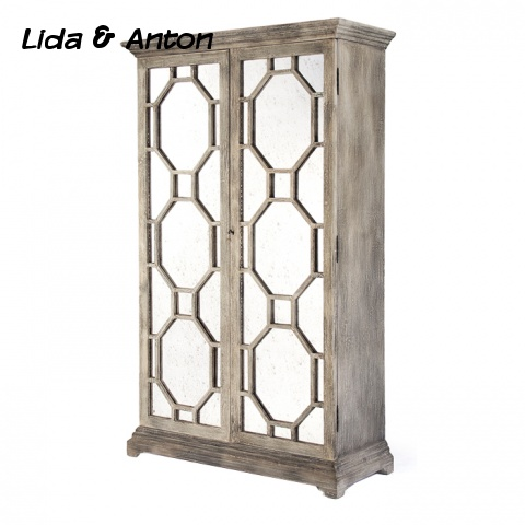шкаф с зеркалом из дерева