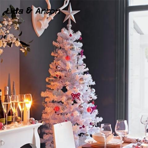 Выберайте снежно-белое дерево