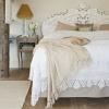 Французский стиль в декоре - кровать